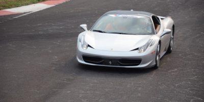 Ferrari 458 Italia (0-100 km/h en 3.3 segundos) Foto:Luis Carlos Nájera