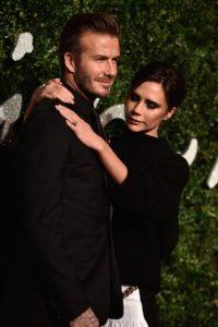 El exnovio de Victoria Beckham, Corey Haim, reveló que la diseñadora emite un extraño ruido cuando besa. Foto:Getty Images