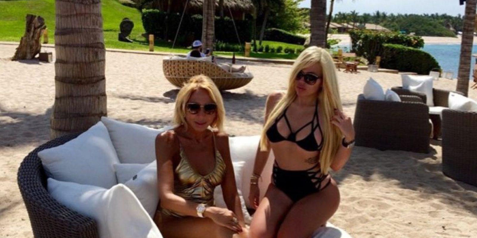 Alejandra de la Fuente, la hija de la presentadora de TV Laura Bozzo, es una de las grandes fans de Kim. Foto:Instagram @missale_xo