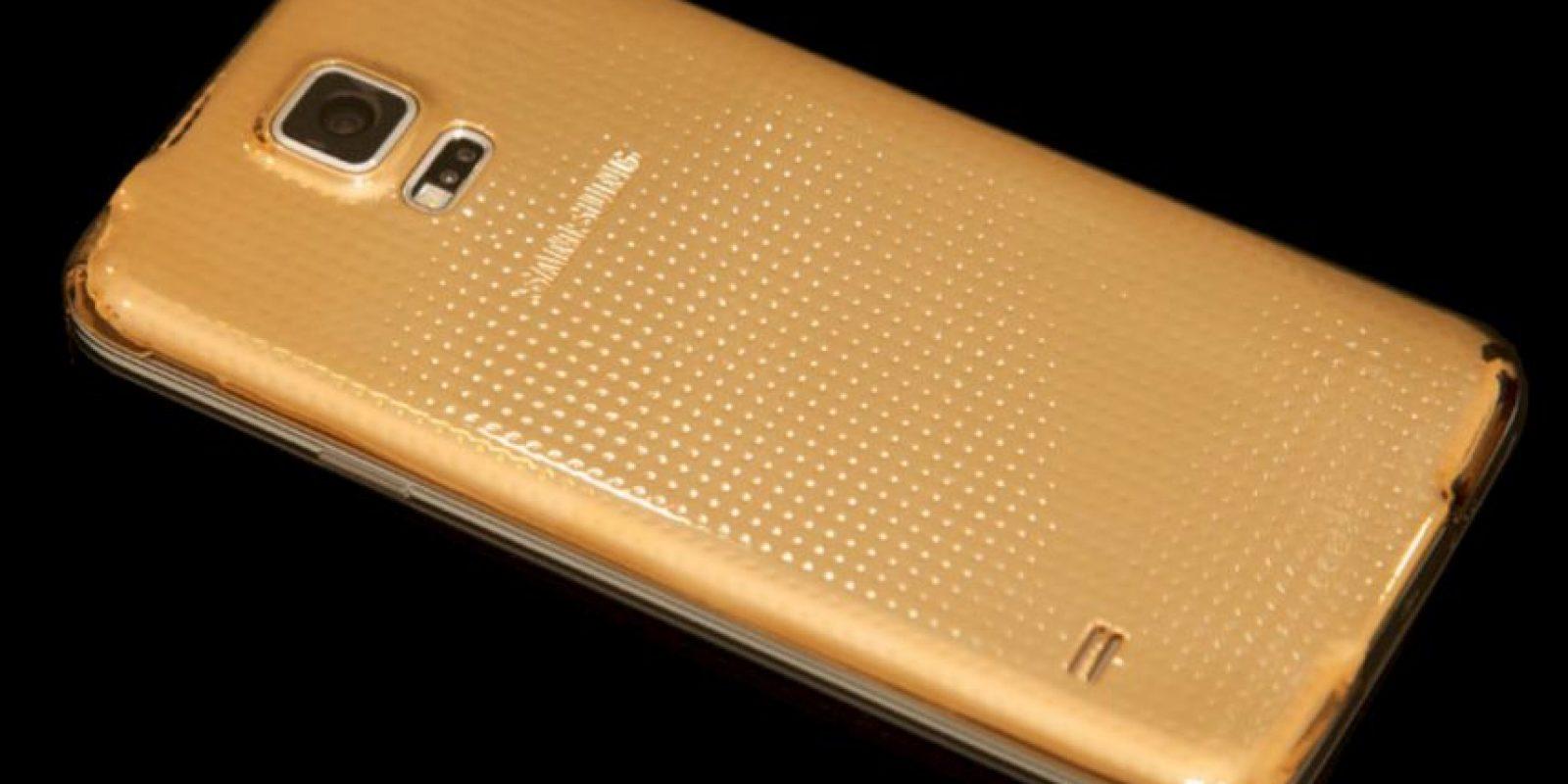 """Así lucirá el Samsung Galaxy S6 después de ser """"enchulado"""". Foto:goldgenie.com"""