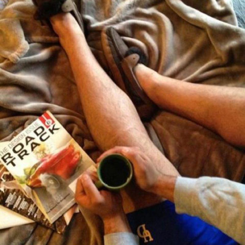 La que presume sus lecturas y lo bien que se la pasa en casa Foto:We Know Meme