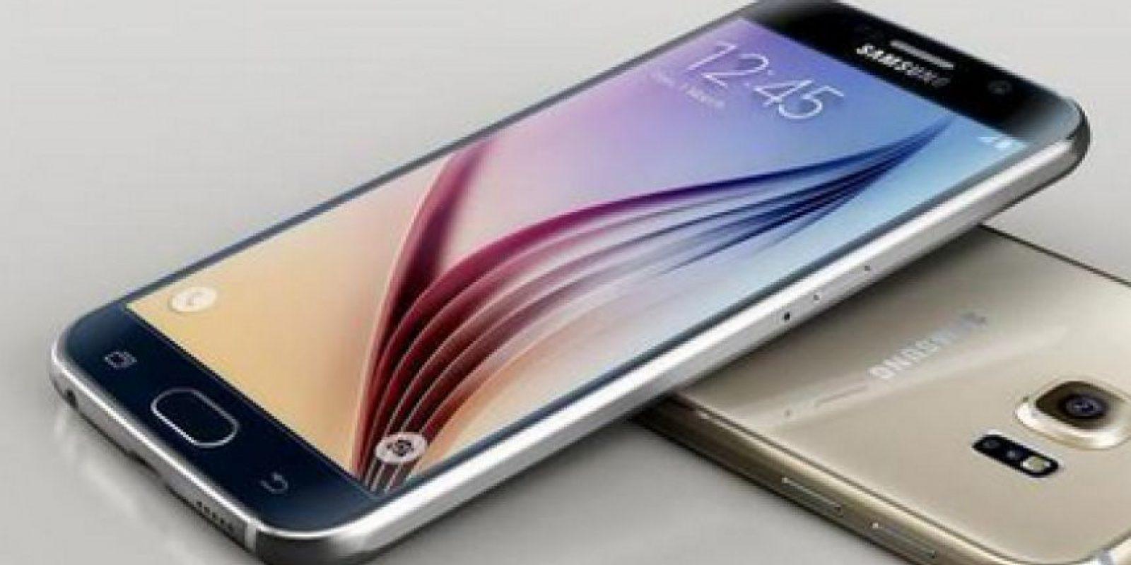 """Otra mejora es la pantalla que con tonos más nítidos y con una mejor respuesta """"touch"""" Foto:Twitter @SamsungMobile"""