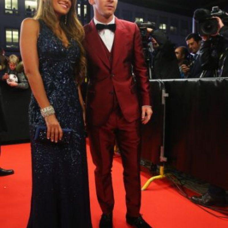 En él, usó un traje en color rojo brillante que se convirtió en el tema preferido de las redes sociales. Foto:Getty Images