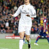 En la final de la Champions League 2014, Cristiano marcó el cuarto gol sobre el Atlético de Madrid. Para celebrarlo corrió a la banda y se quitó la camiseta para exhibir su musculoso cuerpo. Foto:Getty Images