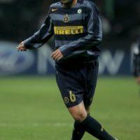 7. En 2006, luego de que Inter fuera eliminado en la Champions por Villarreal, los fanáticos de los nerazzurri agredieron a los jugadores, entre los que resultó lesionado Cristian Zanetti Foto:Getty Images