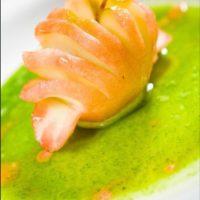 3. Usar manteles o elementos demasiado coloridos que resten atención al plato. Foto:José Luis Ruiz