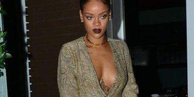 Rihanna y el escote que detuvo el tránsito en Santa Mónica, California