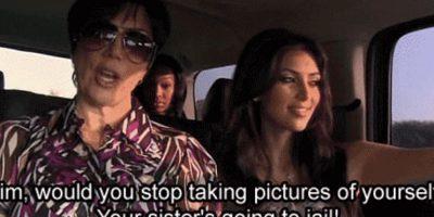 "3. Kris le dice a Kim: ""¿Podrías dejar de tomarte fotos a tí misma? ¡Tu hermana va a ir a la cárcel!"". Foto:E!"