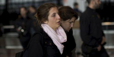 Familiares llegando al Aeropuerto El Prat de Barcelona Foto:AP