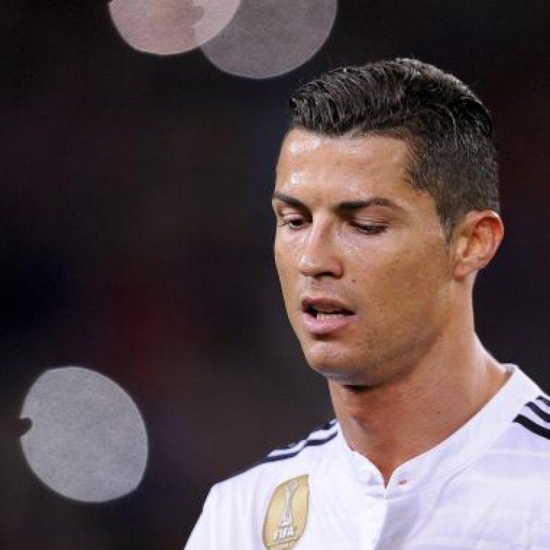 En abril de 2012, Cristiano mandó a calmar al Camp Nou en la victoria del Real Madrid 2-1 sobre el Barcelona. Foto:AP