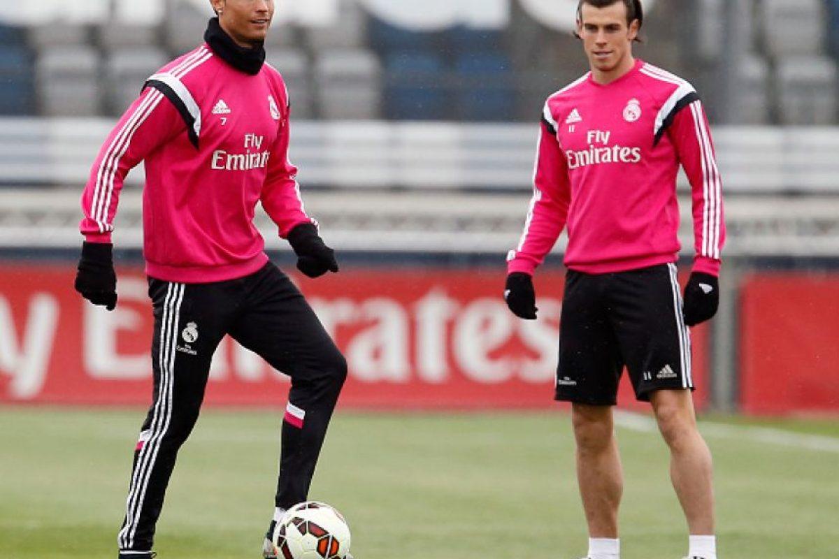 """Ante el Espanyol tuvo lugar uno de los """"berrinches"""" más famosos de Cristiano contra Bale. El delantero galés entró al área rival con gran velocidad, y en lugar de enviarle el balón al portugués, que entraba a rematar, prefirió un mano a mano con el arquero el cual perdió. Foto:Getty Images"""