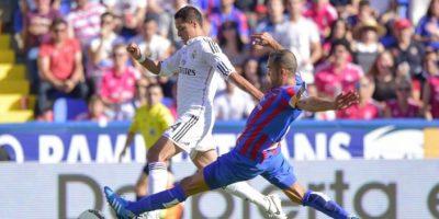 El delantero mexicano no está conforme con su situación actual en el Madrid. Foto:AFP