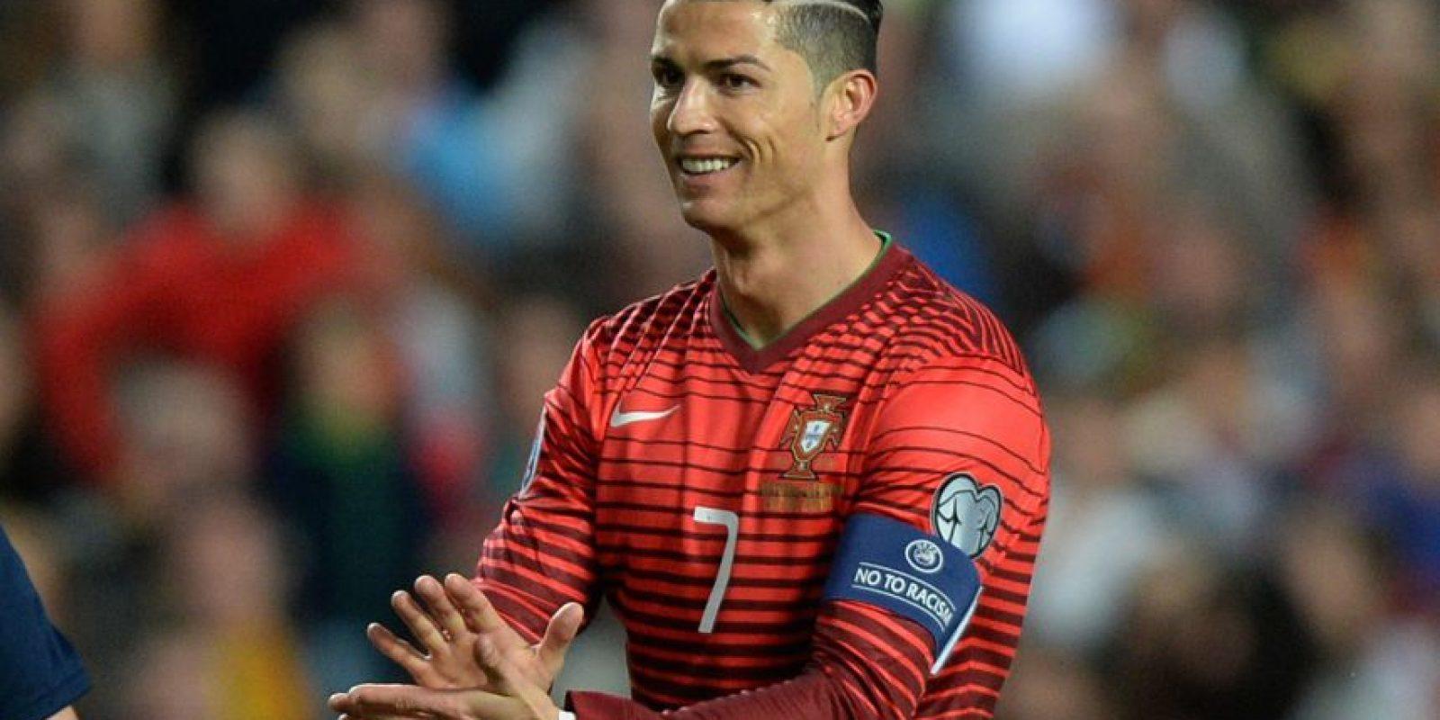 El portugués estrenó un nuevo peinado previo al duelo frente a Serbia. Foto:AFP