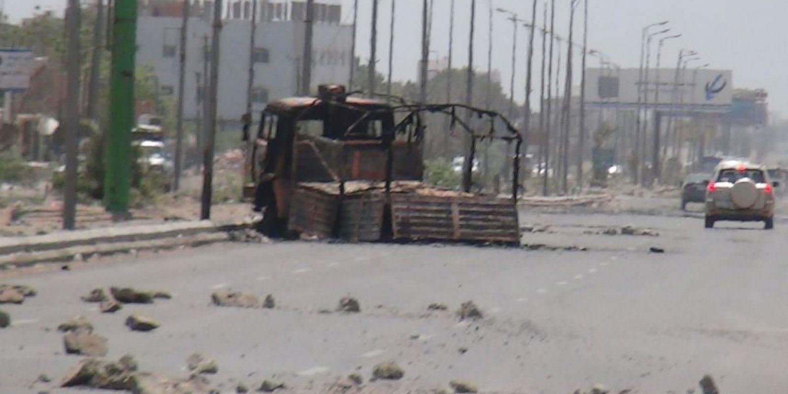 1. Decenas de familias han abandonado la ciudad tras los bombardeos. Foto:AFP