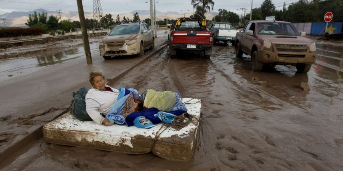 CHILE: Dos de los 33 mineros se encuentran incomunicados tras inundaciones
