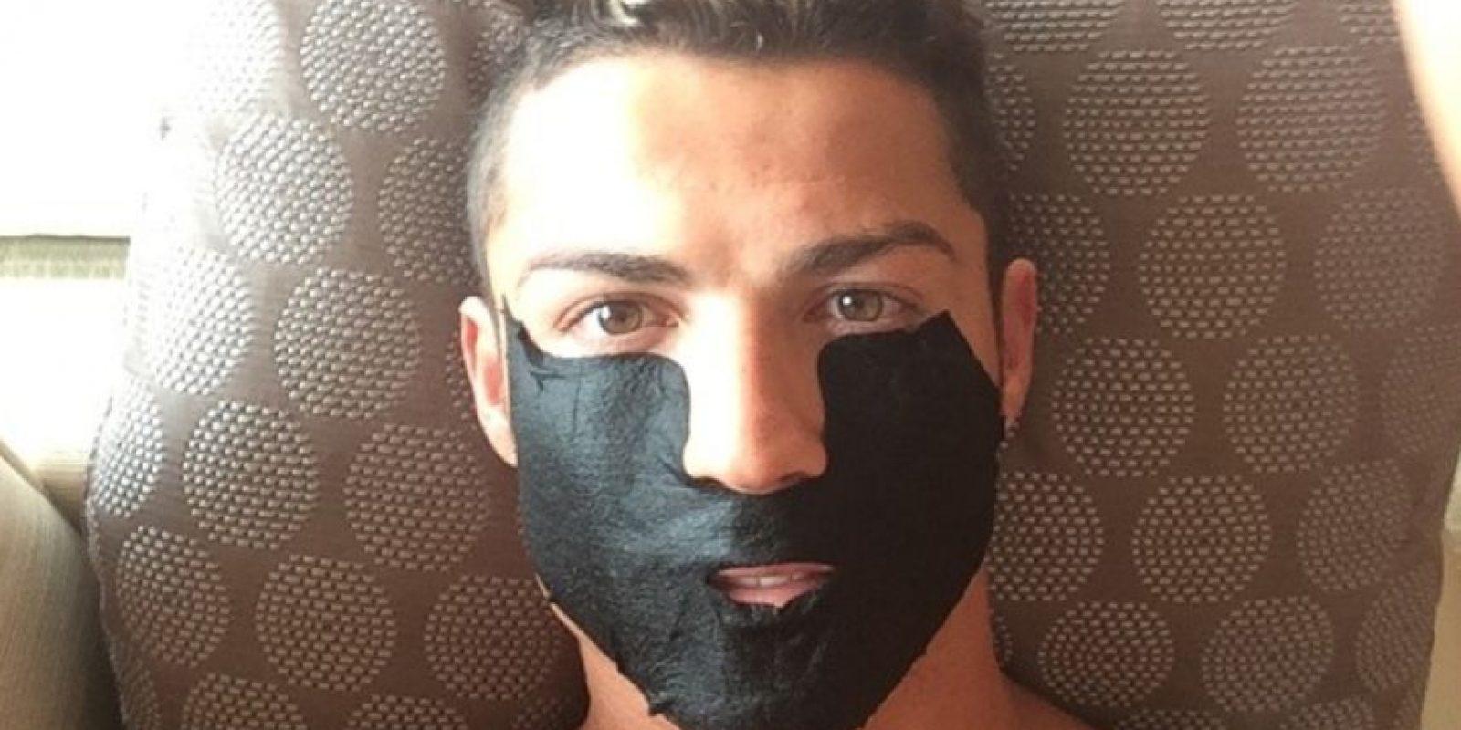 Presumió su peinado en redes sociales. Foto:Instagram @Cristiano