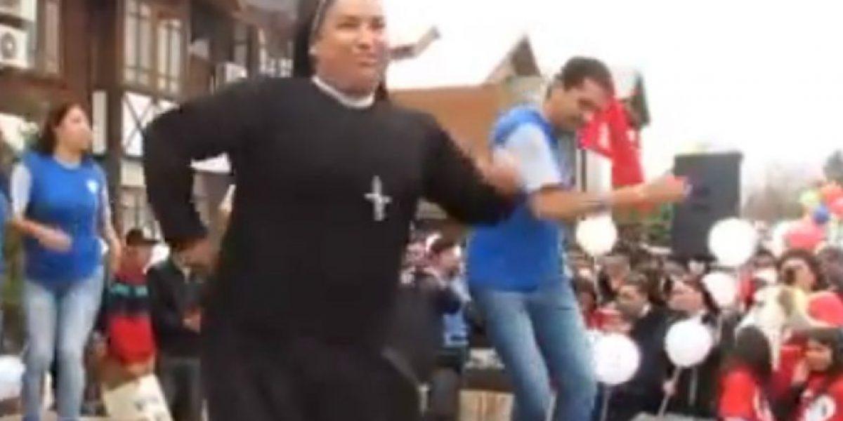 VIDEO: ¡Sí que sabe divertirse! Monja sorprende al bailar reggaetón