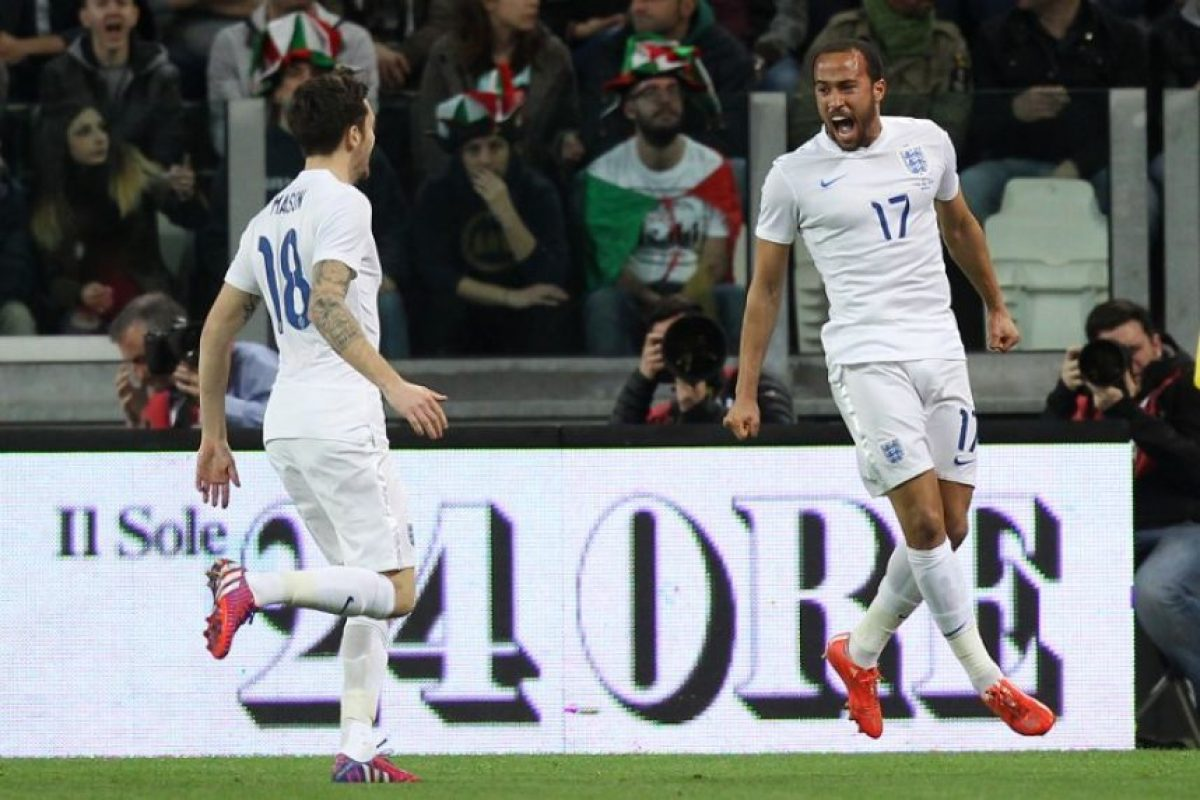 Un choque muy parejo que terminó 1-1 protagonizaron en la Fecha FIFA los italianos y los ingleses. Foto:AFP