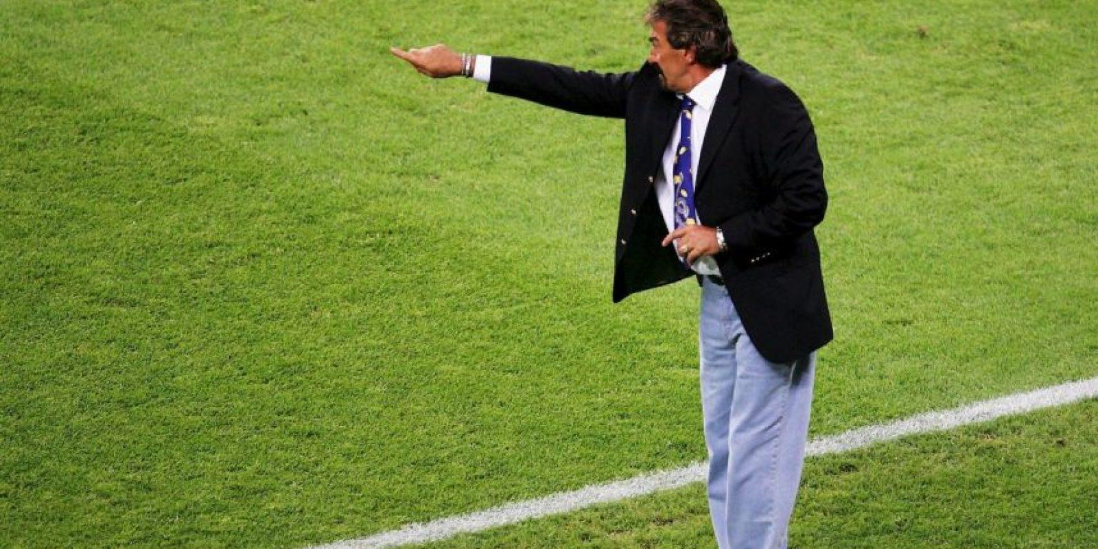 El técnico argentino utilizaba corbatas de dragones en su etapa como timonel de la Selección de México Foto:Getty Images