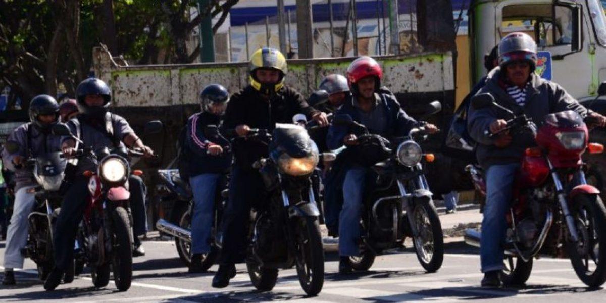 ¡Toma nota! Mañana las motocicletas no podrán circular con placas provisionales