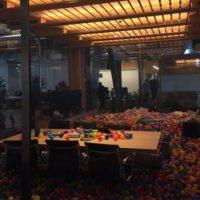 La iluminación para cuando el CEO de Facebook se deba quedar hasta tarde. Foto:instagram.com/wei.jien