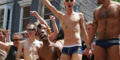 Russell dijo que los adolescentes LGBT constantemente son aconsejados por los adultos a no mostrar su orientación sexual o de género para evitar que sean dañados, pero la nueva investigación sugiere que este no resulta ser el mejor consejo. Foto:Getty Images
