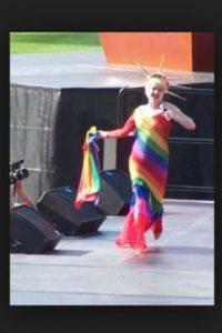 """El autor de la investigación, Stephen Russell realizó una encuesta a 245 no latinos blancos pertenecientes a la comunidad Lésbico Gay Bisexuales Transgénero (LGBT) y Latinos LGBT entre las edades de 21 y 25 años que mencionaron haber experimentado bullying en la preparatoria a causa de sus preferencias, hubieran o no """"salido del clóset"""". Foto:Getty Images"""