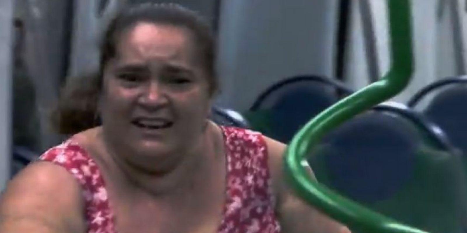 Así fue la reacción de los pasajeros del metro Foto:Vía Youtube: Câmeras Escondidas Programa Silvio Santos