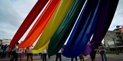 4. Activistas de los derechos de la comunidad de lesbianas, gays, bisexuales y transexuales (LGBT) realizaron múltiples manifestaciones. Foto:Getty Images