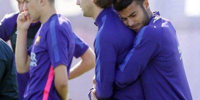 """Jugadores del Barça son captados en momento """"cariñoso"""""""