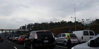 Al menos 34 mil viajeros pasaron por el peaje de Palín-Escuintla este miércoles
