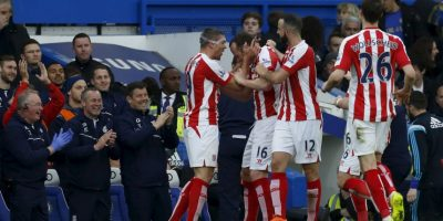 VIDEO: Increíble gol desde media cancha en la Premier League