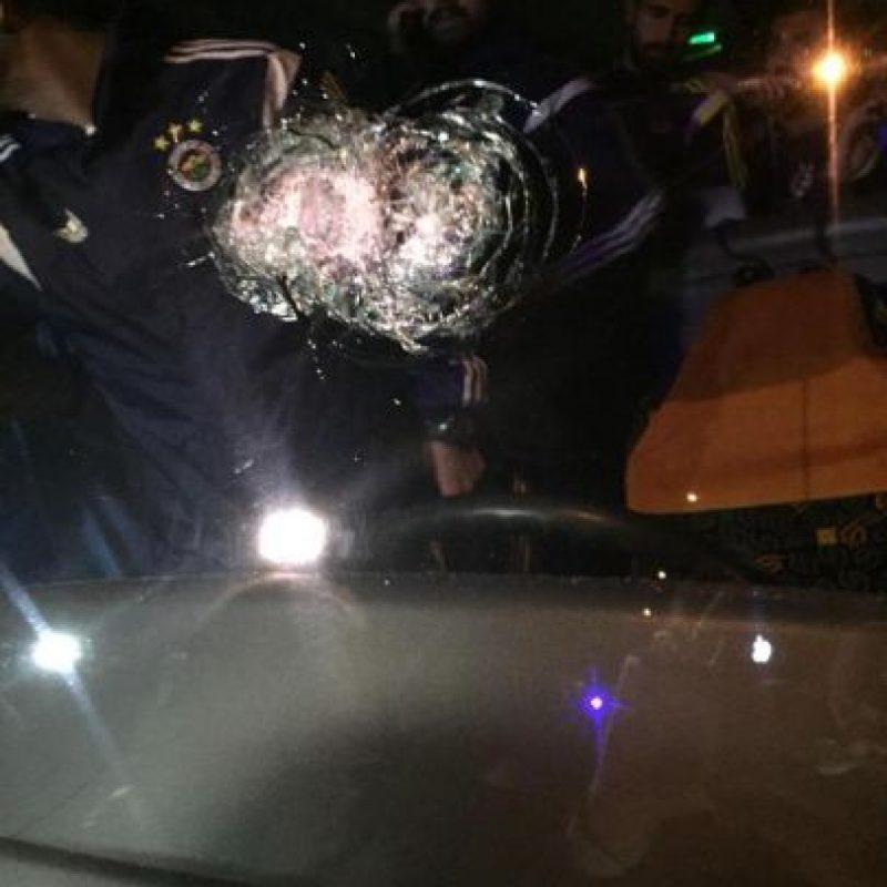 El conductor fue herido, y está internado de gravedad en un hospital. Foto:Twitter @diehimbeertonis