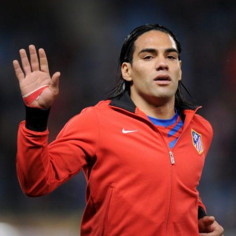 Cuando el colombiano jugaba para el Atlético de Madrid colaboró con 5 goles para el 6-0 sobre Deportivo La Coruña. Foto:Getty Images