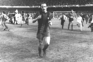 1976 – Manolo Clares. También jugador del Barça, le marcó cinco tantos al Valencia en la victoria 6-1 de su equipo. Foto:Twitter @falso9web