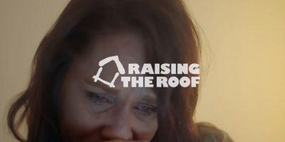 Y se les incluya en la sociedad. Foto:Raising The Roof/Youtube