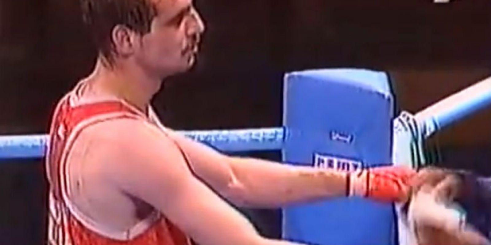 En la semifinal del torneo, Mayweather se enfrentó al Bulgaro Serafim Todorov de 27, quien lo venció por sólo un punto y en medio de gran polémica. Foto:Youtube Jordan Far