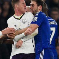 En febrero pasado Branislav Ivanovic, quien fue mordido por Suárez, agredió de la misma forma a James McCarthy, del Everton Foto:Getty Images