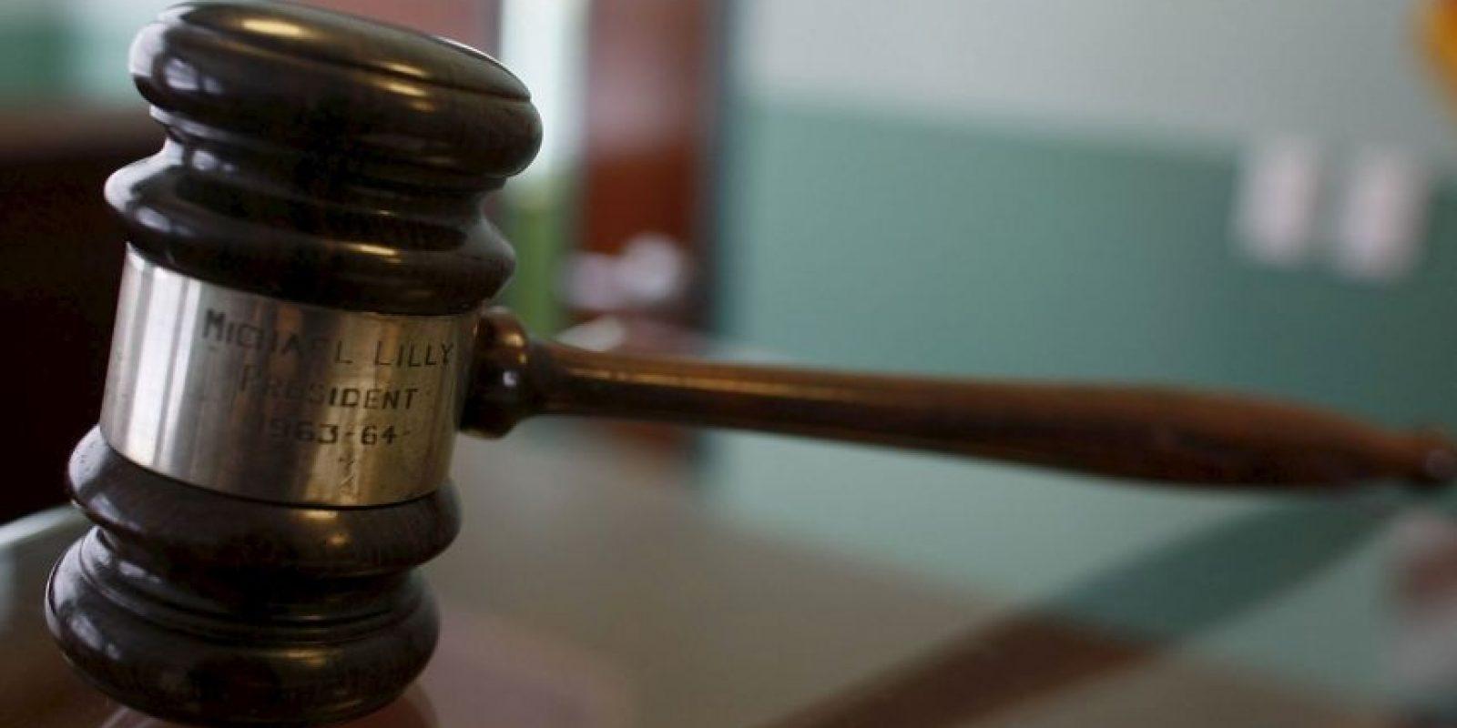 Este es el primer caso donde un juez acepta enviar un documento de orden legal válido por esta red social. Foto:Getty