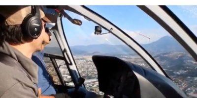 Durante su visita a Guatemala, el español también tomó clases para pilotear un helicóptero. Foto:Instagram @enriqueiglesias