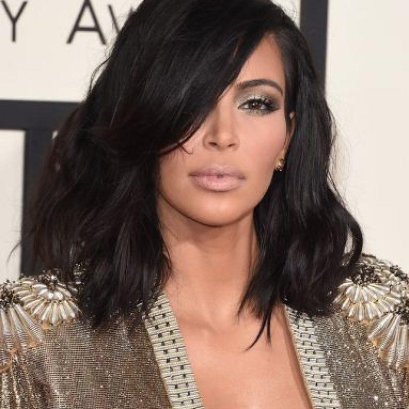 """En junio de 2014, una galería de arte del condado de Brooklyn en Nueva York, presentó la exposición """"The Passion of Kim Kardashian"""" (La pasión de Kim Kardashian), donde la diseñadora, Hannah Kunkle, retrató a la socialité como la Virgen María, Jesucristo y otros santos. Foto:Getty Images"""