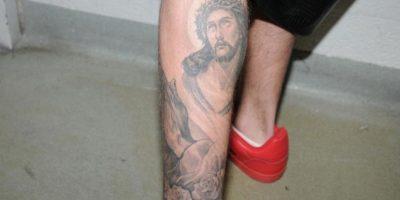 Uno de los tatuajes más criticados del canadiense es el rostro de Jesús que lleva en la parte posterior de su pantorrilla. Foto:Getty Images