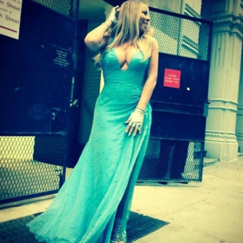 Peinarse a lo Verónica Lake y lucir como Jessica Rabbit. Foto:Instagram