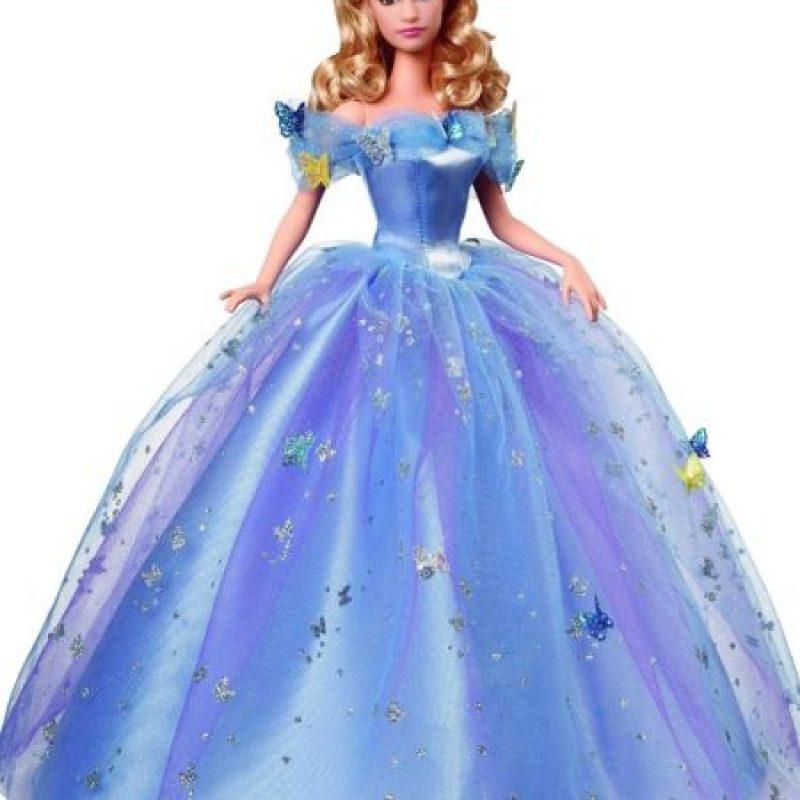 2. A pesar de las críticas, Lily James dijo que no le hicieron Photoshop. Foto:Disney