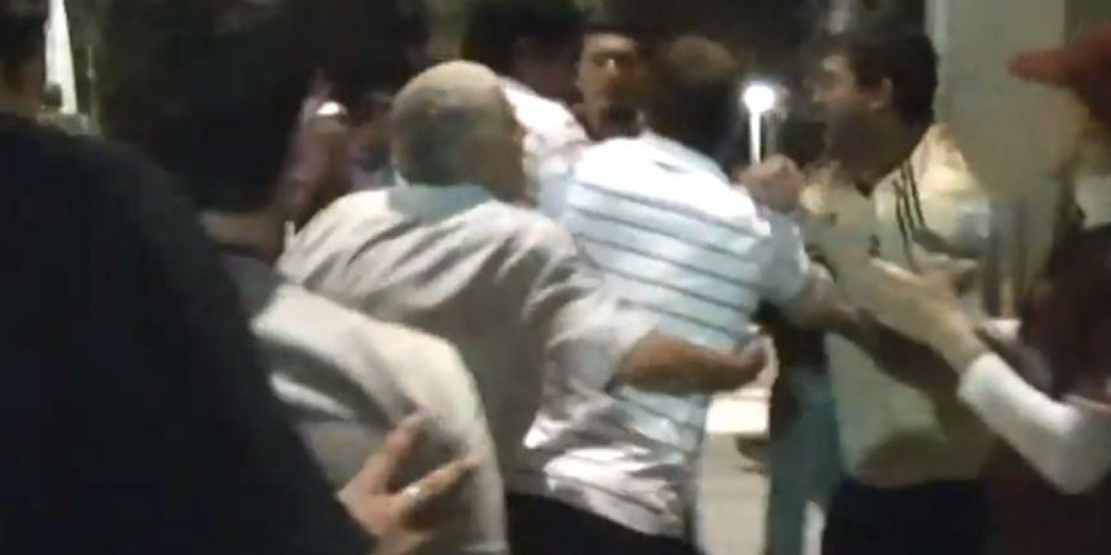 La violencia regresó a los estadios de Argentino luego de una agresión al futbolista Matias Fritzler. Foto:Vía YouTube Diario del Grana
