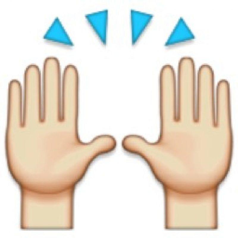 Dos manos en alto mostrando las palmas son símbolo de alegría. Foto:WhatsApp