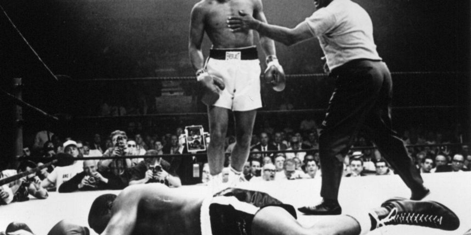 """""""Él es muy feo para ser campeón mundial. El campeón mundial debería ser alguien lindo como yo"""", Muhammad Ali Foto:Getty Images"""