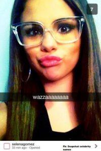 La cantante comparte divertidos selfies en esta red social Foto:Vía celebsnapchats.com
