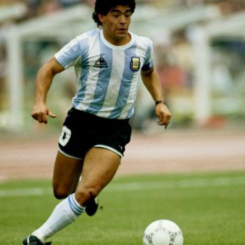 """""""Si me muero, quiero volver a nacer y quiero ser futbolista. Y quiero volver a ser Diego Armando Maradona. Soy un jugador que le ha dado alegría a la gente y con eso me basta y me sobra""""., Diego Maradona Foto:Getty Images"""