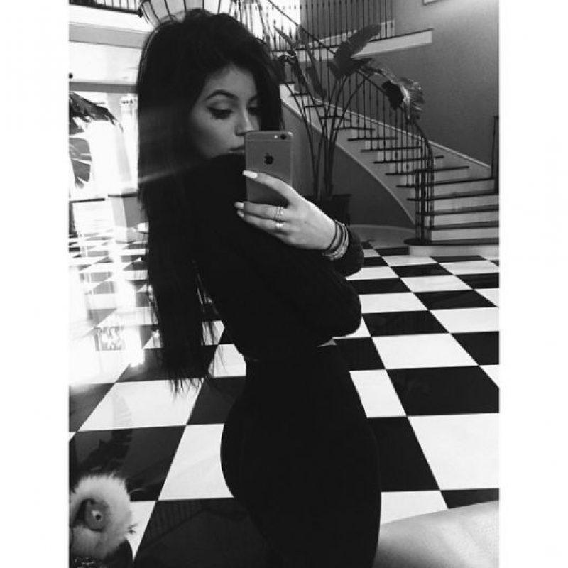 La joven de 17 años anunció su llegada a Snapchat por medio de su cuenta en Instagram Foto:Vía instagram.com/kyliejenner